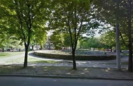 Чи має пам`ятник Героям УПА розташовуватися серед дороги?