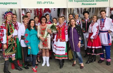 У Палаці мистецтв у Львові відбувся Фестиваль дизайну вишиванки