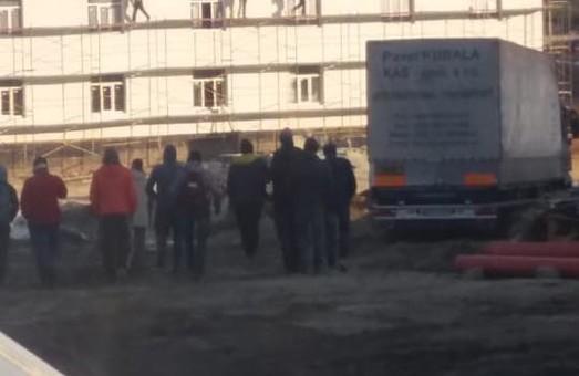 Гуртожитки для військових на Львівщині будують курсанти Академії сухопутних військ