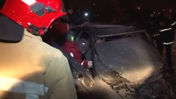 Львівські рятувальники вивільнили пасажира із понівеченого у ДТП автомобіля (ФОТО, ВІДЕО)