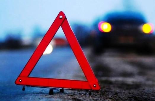 На Львівщині мікроавтобус з'їхав у кювет, постраждав 19-річний водій