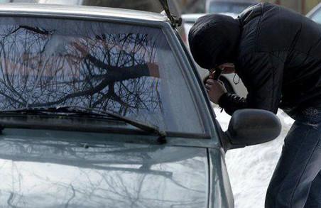 На українсько-польському кордоні виявили авто, розшукуване Інтерполом