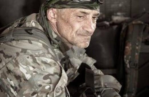 На Львівщині навколішки зустріли тіло військового, який пройшов найгарячіші точки війни