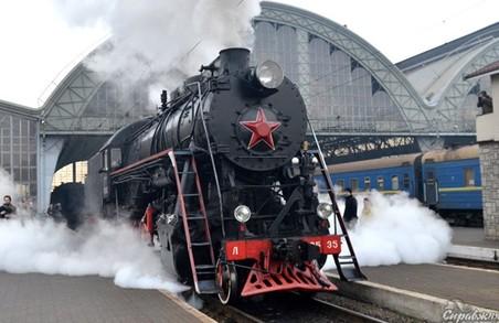 Львівська залізниця кличе у святкову подорож ретропоїздом