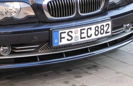 «Євробляхерів» закликають бути пильними під час розмитнення авто через велику кількість шахраїв