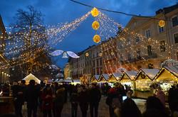 Як Львів прикрасили до Різдвяних свят (ФОТО)