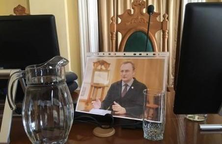 Поїхав на вічні гастролі: Садовий з родиною покидає Львів