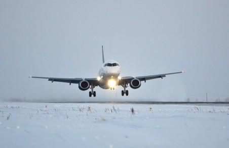 Через негоду у Львові скасували 6 рейсів