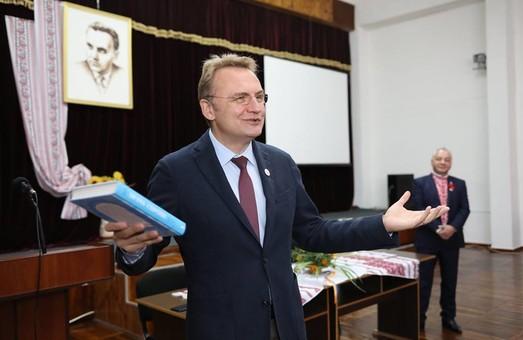 Поки мер Львова займається виборчою кампанією, місто потерпає від негоди