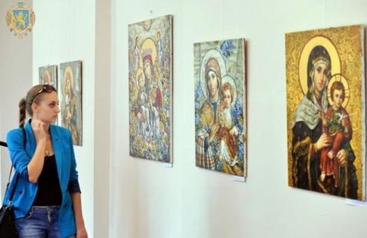 На Львівщині презентують виставку ікон-картин Богородиці відомого митця