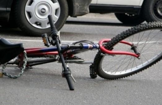 Визнали винним і відпустили. На Львівщині поліцейського, який на смерть збив велосипедистку, звільнили від покарання