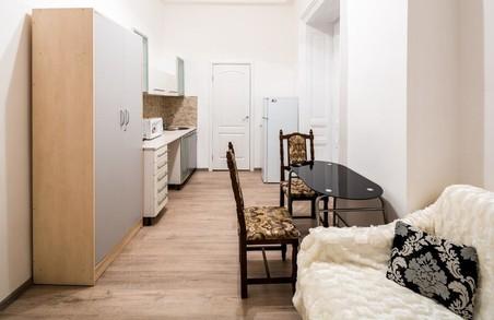 Садового закликали перевірити стан квартир, які здаються в подобову оренду