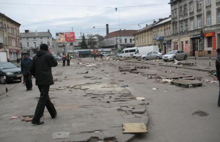 Львів'яни пропонують перетворити площу біля Привокзального ринку на громадський простір