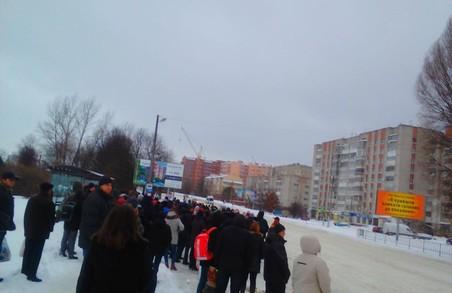 Черговий транспортний колапс у Львові. Прибирати вулиці від снігу не виїхала половина розчищувальної техніки