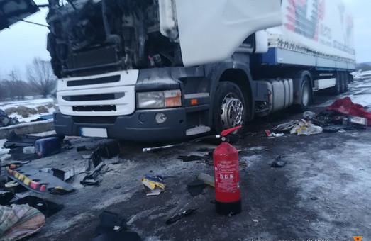 На Львівщині у вантажівці вибухнув газовий балон, постраждав водій