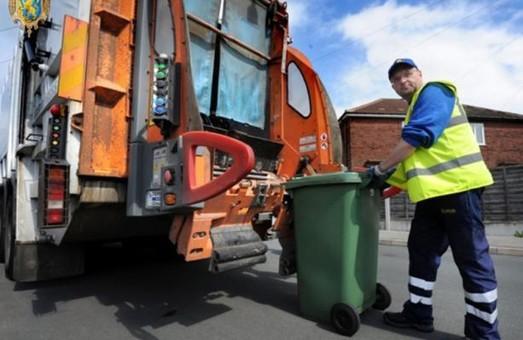 ЛОДА зобов'язала перевізників сміття ліквідувати самостворені звалища