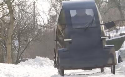 На Львівщині пенсіонер створив унікальний електромобіль