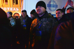 Тимошенко використовує військових у агітації