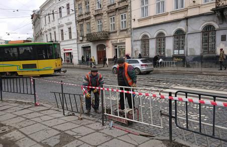 Багатостраждальний перехід на площі Соборній знову відкривають