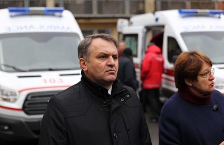 У Львові медики погрожують Синютці припинити роботу швидкої допомоги