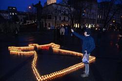 У Львові вшанували Героїв Небесної Сотні ангелом зі свічок (ФОТО)