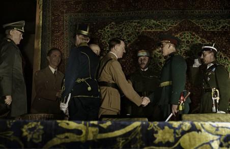 У Львові відбудеться виставка робіт дружини генерала Коморовського, який віддавав накази знищувати українців