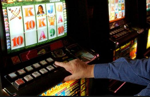 У Винниках влада насильно закриває заклади гральних автоматів