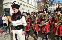 Понад тисячу львів'ян одночасно заспівали Гімн України (ФОТО)