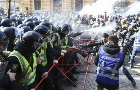 «Клептократична система Порошенка залізла кожному українцю в кишеню»: Андрій Білецький