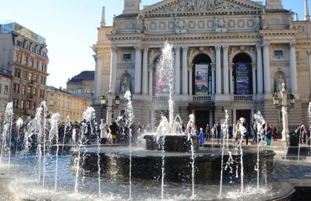 Ремонт фонтану біля Львівської Опери обійдеться в 500000 гривень