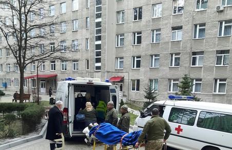 До Львова з Харкова прибули 11 поранених АТОвців