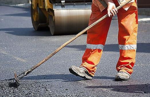 На Львівщині вкрали виділені на ремонт дороги гроші