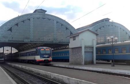 На Великодні та травневі свята зі Львову пустять додаткові поїзди до Києва, Одеси та Харкова
