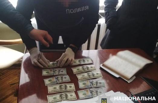 На Львівщині спіймали очільницю департаменту міськради на хабарі