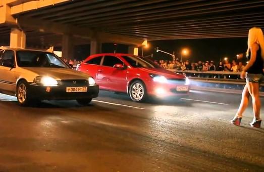 У ніч на 9 травня у Рясному група місцевих мешканців влаштувала автоперегони