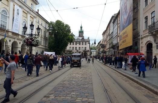 У Львові грозяться блокувати бізнес родини Садового