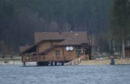 У Димінського суд відібрав рибацький будиночок на території Яворівського полігону