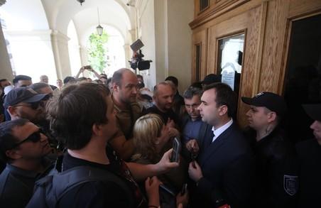 Керівник Адміністрації Садового відправився у лікарню з травмою селезінки після бійки з активістами