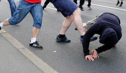 Жителі Львівщини відлупцювали наркодилера та привели його у поліцію
