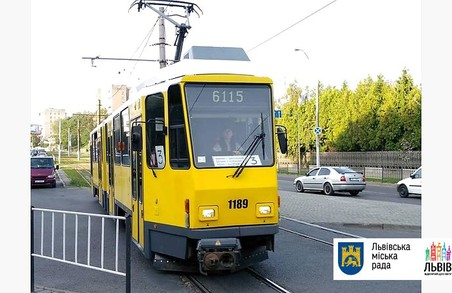 На днях у Львові в експлуатацію введуть останні 3 трамваї з Берліна