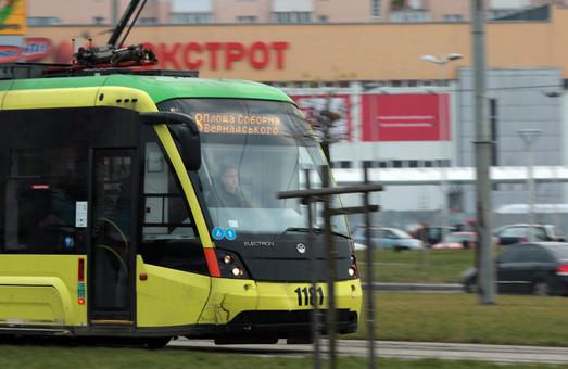 У Львові виявили порушення у будівництві контактних мереж для трамваю №8