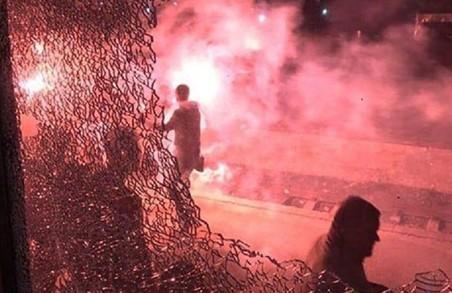 У погромі львівськими фанатами потягу полісмени злочину не побачили
