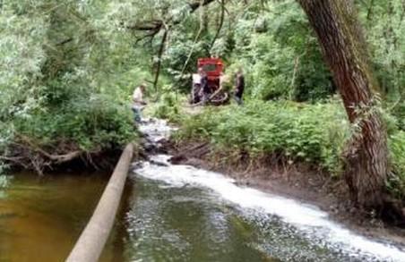 У Львові прорвало каналізаційну трубу зі скотобійні
