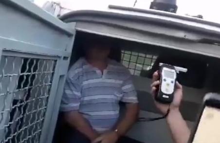 На Львівщині п`яний депутат збив дівчину та ледь врятувався від самосуду