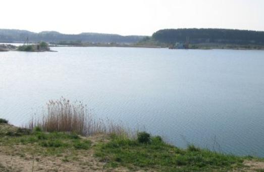 На Львівщині пропонують облаштувати пляж на кар`єрі