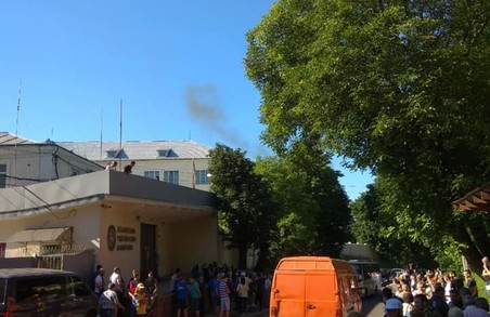 СБУ заблокувала Львівську тютюнову фабрику