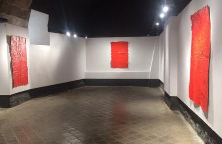 У арт-центрі «Дзиґа» проходить висавка Тіберія Сільваші «Роботи на папері».