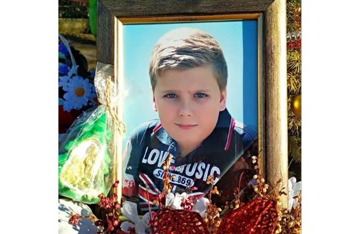 Лікаря, якого звинувачують у смерті дитини, поновили на роботі