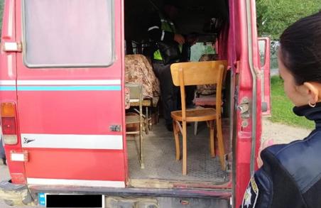 На Львівщині їздила маршрутка з дерев'яними кріслами
