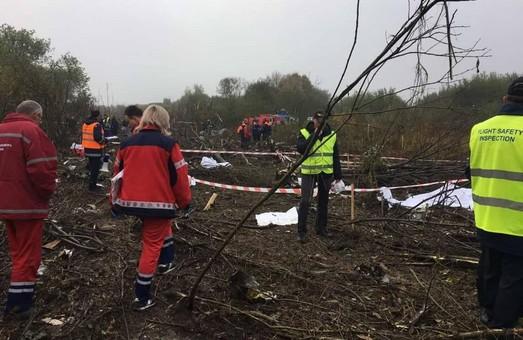 Падіння літака поблизу Львова: кількість жертв зросла